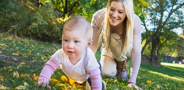 رشد جسمی کودکان 12 ماهه تا 18 ماهه