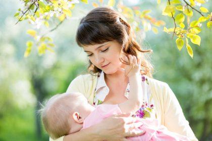 فواید شیر مادر برای مادر و کودک
