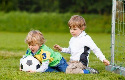 420x270 - کودکم دیگران را کتک می زند. چه کنم؟ توصیه روان شناسان چیست؟
