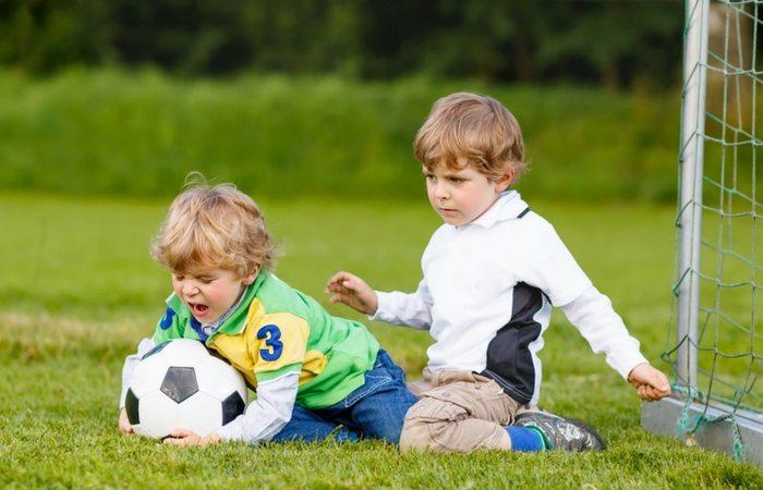 .jpg - کودکم دیگران را کتک می زند. چه کنم؟ توصیه روان شناسان چیست؟