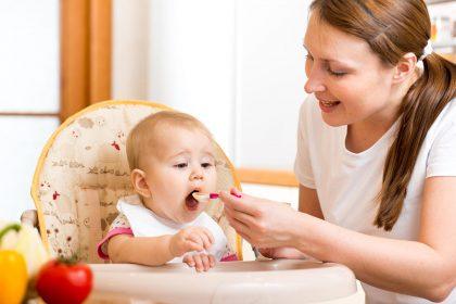 9 تا 12 ماه 420x280 - اصولی که در غذا دادن به کودکان 9 تا 12 ماهه باید رعایت کنید