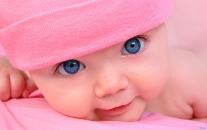 چشم 420x263 - رنگ چشم کودکان به کی میره و چه موقع تغییر میکنه؟