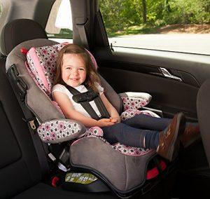 نشستن کودکان در خودرو اصول و قوانین
