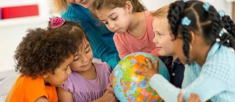 مؤلفه فضاها و جغرافیا در مطالعات اجتماعی کودکان پیش دبستان