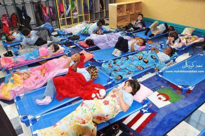 زمان غذا خوردن و زمان خواب کودکان در مهد کودک: نکاتی مهم