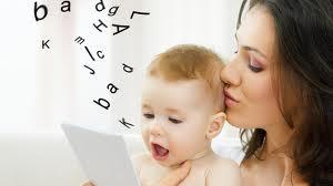 چه کنیم تا کودک حرف زدن را زودتر بیاموزد؟ راهنمای والدین