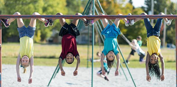 تاثیر بازی در فضای باز بر رشد جسمانی کودکان: