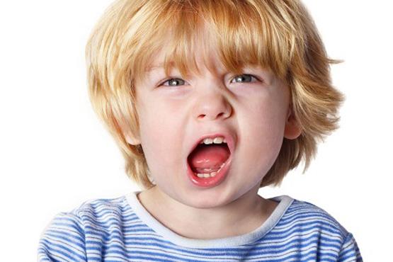 با کودک لجباز چگونه رفتار کنیم؟ فیلم آموزشی درباره لجبازی کودکان